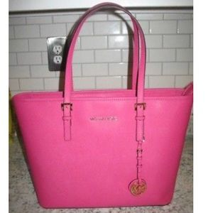 😍Michael Kors Cotton Candy Pink Tote😍